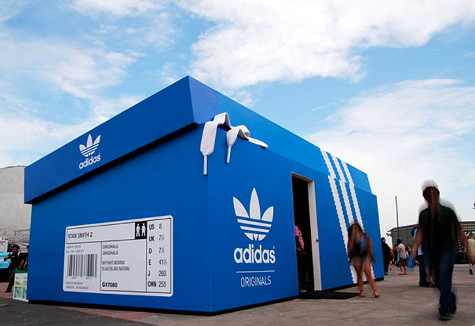 Adidas pop-up store in the shape of oversized shoe box